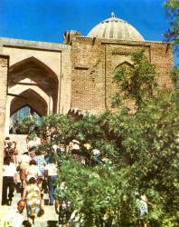 Шахи-Зинда. Главная лестница ансамбля