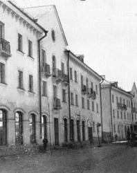Псков. Улица Леона Поземского. Новостройки на бывшей окраине. Типовой проект