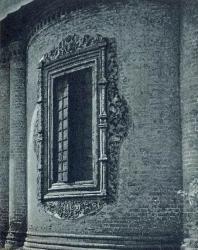 20. Ярославль. Изразцовый наличник в храме Николы Мокрого (1665—1672 гг.)