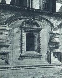 22. Ярославль. Храм Иоанна Златоуста (1649—1654 гг.): окно галереи